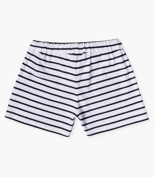 Shorts with marinière stripes.