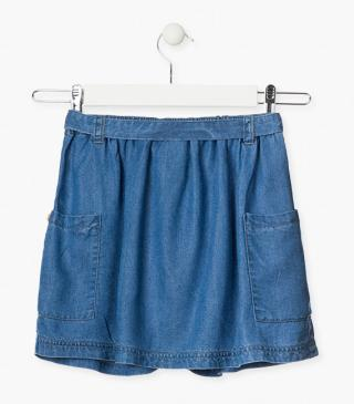 Lightweight denim skirt.
