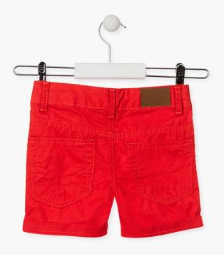 Red shorts in twill.