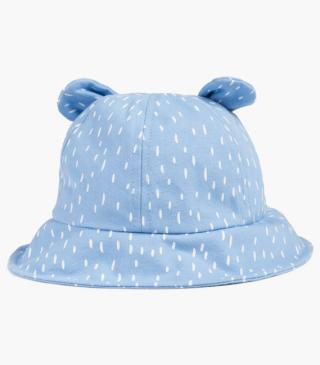 Printed hat with ears.