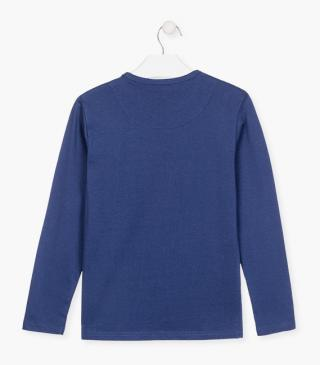 Organic cotton t-shirt with long sleeves.