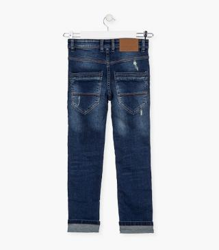 Roll-up jeans.
