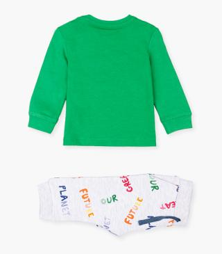 Green t-shirt & trousers set.