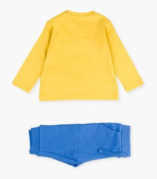 Yellow t-shirt & trousers set.