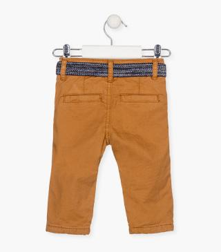 Twill trousers with a stretch belt.