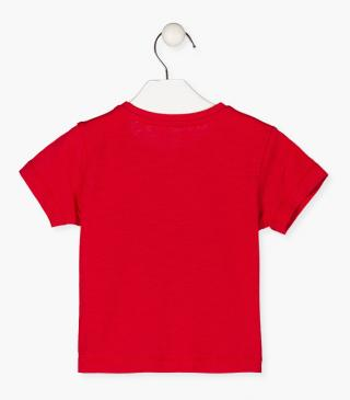 Short sleeve top in red.