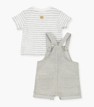 T-shirt and dungaree set with elephant motif.