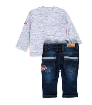 Patch tee and jeans set.