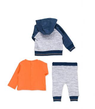 Set of trousers, t-shirt and hoodie.