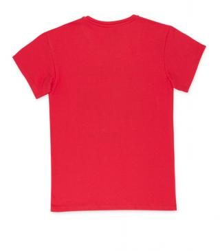 Coral red short sleeve t-shirt.