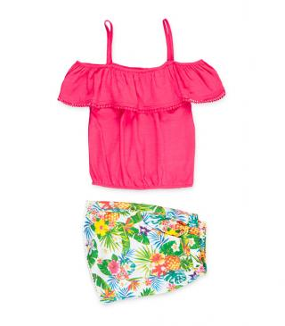 Conjunto top de tirantes y short con estampado tropical.