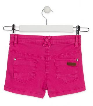 Short de sarga de color rosa.