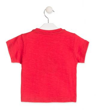 Short sleeve t-shirt in red.