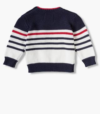 Knit jumper featuring a pocket on the chest.