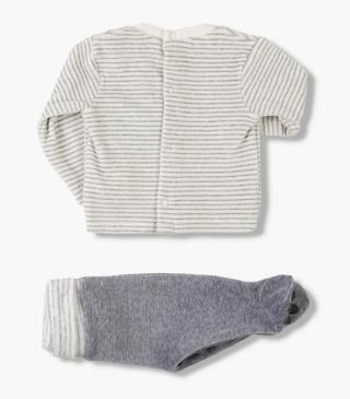 Feet cover trousers & sweatshirt set.