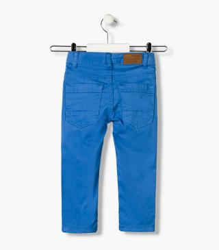 Twill trousers featuring a skinny fit.  Essential collection for junior boy