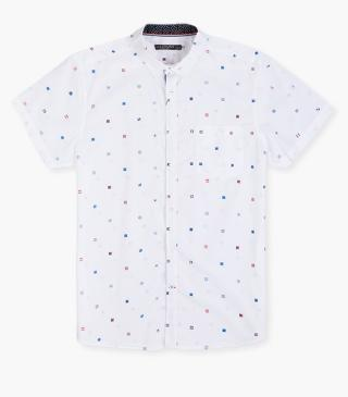 All-over print shirt in white.