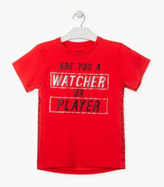 Graphic front t-shirt in red.