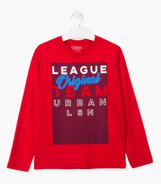 Long sleeve tee in red jersey.