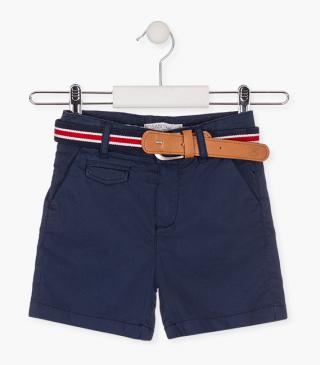 Twill shorts with a belt.