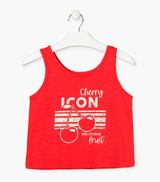 Sleeveless red t-shirt.