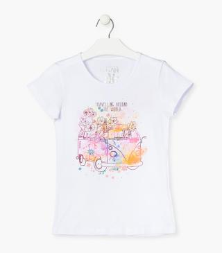 White t-shirt with van motif.