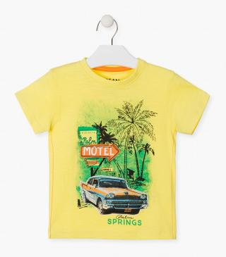 Short sleeve t-shirt with car patch.