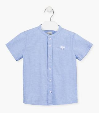 Shirt with short sleeves and breast pocket.