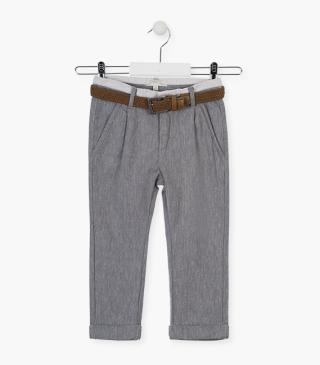 Linen skinny trousers with belt.