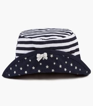 White and navy stripe hat.