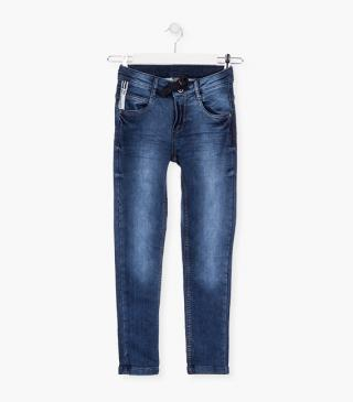 5-pocket denim jeans.