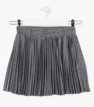 Grey pleated skirt.