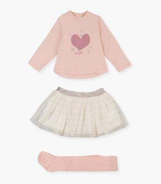 T-shirt, tulle skirt and tights set.