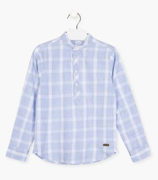 Checked shirt in blue.