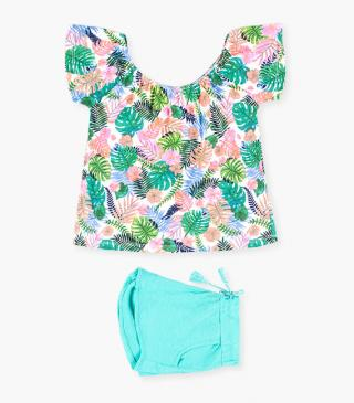 Leaf motif t-shirt & shorts set.