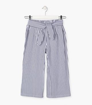 Loose stripy trousers in blue.