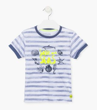 T-shirt with blue printed stripes.