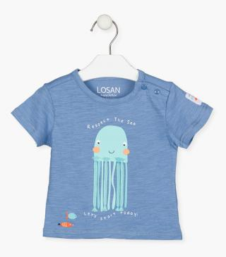 T-shirt with printed octopus.