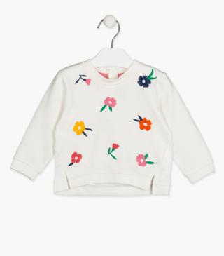 Floral embroidery sweatshirt.