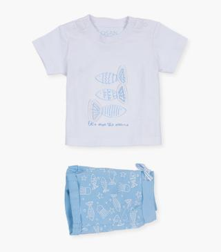 T-shirt and shorts with fish motif.