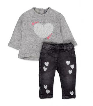 Black denim trousers and tee set.