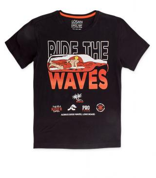 Camiseta de color negro con estampado surfero.