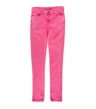 Pantalón de color rosa con brillantitos.