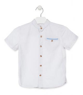 Camisa cuello mao de color blanco.
