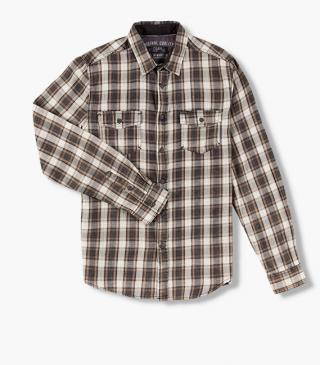 Lumberjack shirt with pockets on the chest.