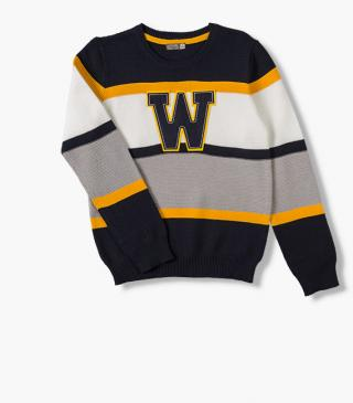 Jersey jumper in blue.