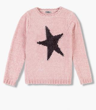 Chenille jumper with a star.
