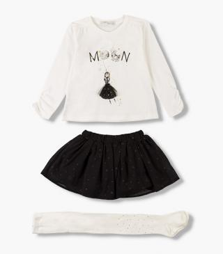 Set featuring t-shirt, print skirt and tights.