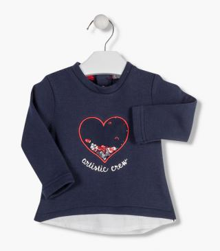 Sweatshirt with embroidered heart in tulle.