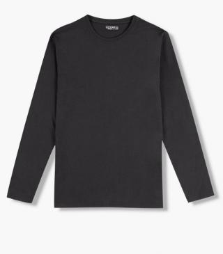 Long-sleeved jersey tee from our range of everyday essentials for man